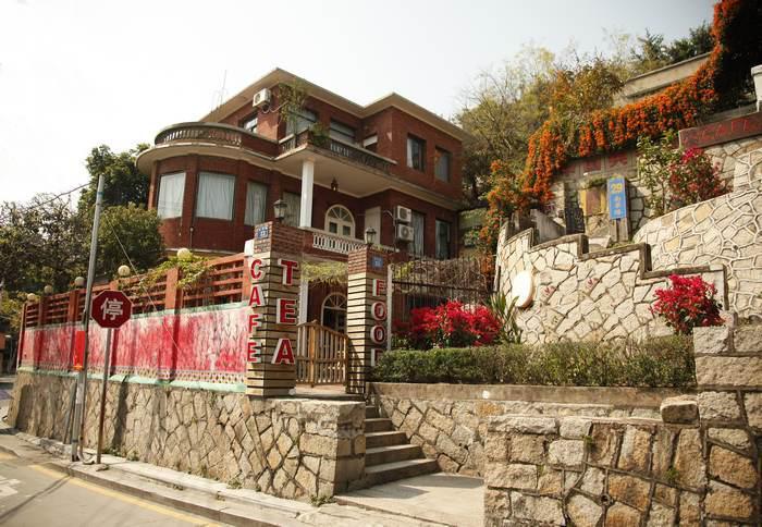 老别墅旅馆,红砖屋风情